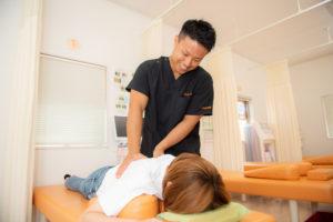 肋間神経痛の施術風景の写真